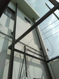 Proses Pembuatan Lift Barang di Bali